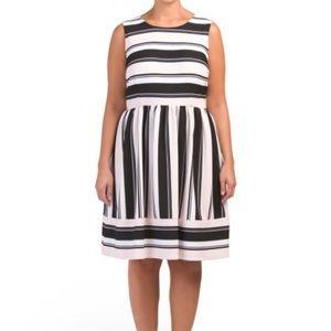 Sandra Darren NWT plus size striped dress